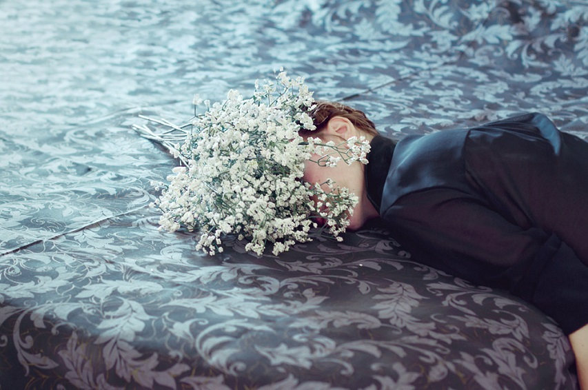 Andrea Torres Balaguer - Flower Bed, Mesmerize Series, minus37