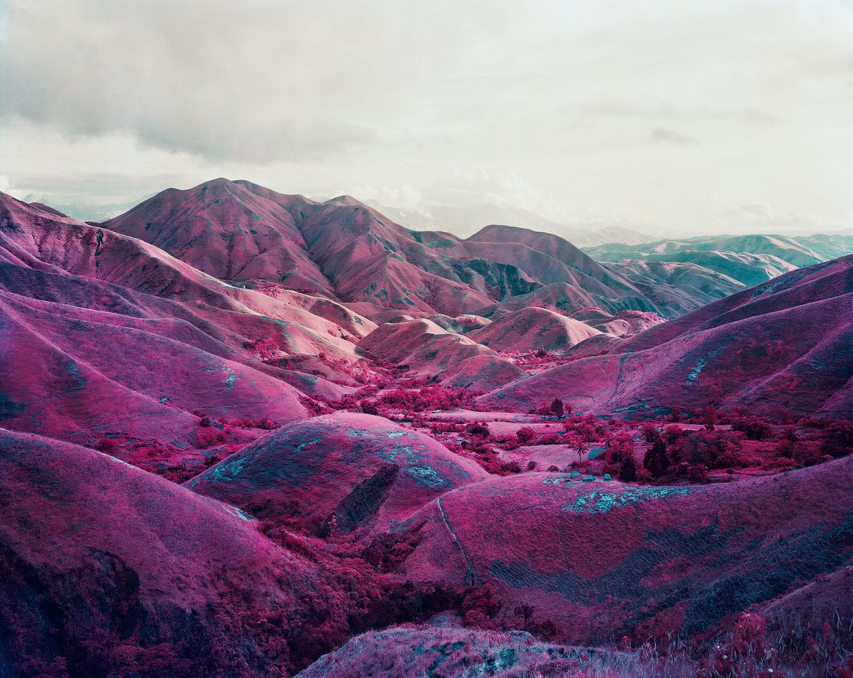 Richard Mosse - Nowhere to run, minus37